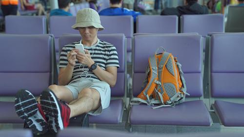 Người trẻ Việt ngày càng thích du lịch bụi và nhạy bén với công nghệ. Ảnh: Tâm Bùi.