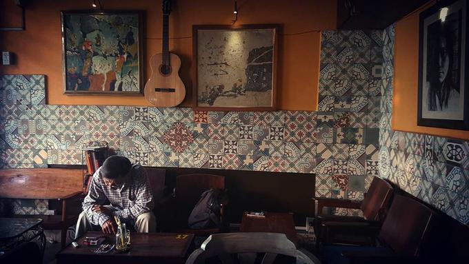 Những quán cà phê 'bô lão' danh tiếng lâu năm ở Sài Gòn