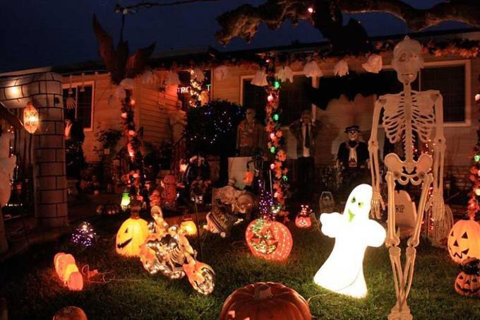 Vì sao chúng ta lại nói 'Trick or Treat' trong dịp Halloween?
