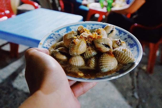 Quán ốc 'mầm non' 18 năm đón khách ở vỉa hè Sài Gòn