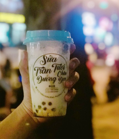 Sữa tươi trân châu đường đen hiệnbán rộng rãi ở Sài Gòn. Ảnh: @96allabouteating.