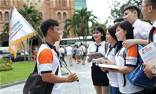 Đội ngũ HDV được xem là bộ mặt của ngành du lịch Việt Nam. Ảnh: CĐ Du lịch Sài Gòn.