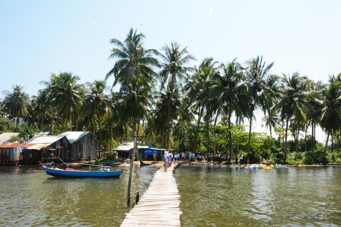 Ngôi làng ở Phú Quốc được khách Tây ví như 'vương quốc sao biển'