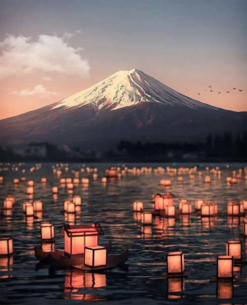 Cảnh núi Phú Sĩ lúc hoàng hôn. Ảnh: Pinterest.