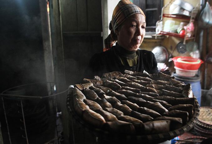 Ngôi làng ở Hà Nội có trăm hộ làm bánh gai có hình khác lạ