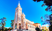 Nhà thờ hơn 80 năm tuổi hút khách nhất ở Đà Lạt