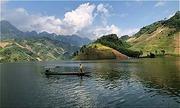 Các tỉnh Tây Bắc muốn phát triển du lịch đi thuyền trên sông Đà