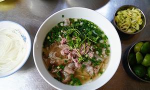 Quán phở 60 năm không phục vụ rau giá ở Sài Gòn