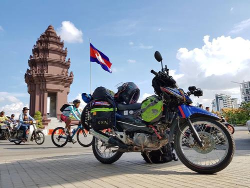 Campuchia là điểm dừng chân đầu tiên của Khoa trên hành trình vòng quanh thế giới. Ảnh: VNCC.