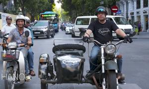 Tour đi môtô ba bánh khám phá phố cổ Hà Nội lên báo Mỹ