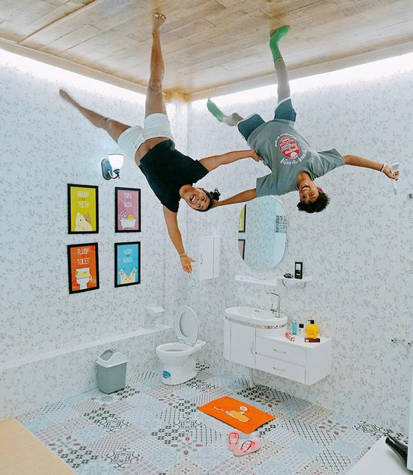 """Ba địa chỉ khách 'đứng trên trần nhà' để chụp ảnh ở Việt Nam """"class ="""" left """"data-component-caption ="""" & lt; p class =""""Normal""""& gt; Đến đây bạn sẽ th around them """"đứng"""" trần nhà train ở phòng khách, phòng ngủ, phòng học, nhà bếp, WC, phòng giất là ... để chụp ảnh. Ngoài ra, căn nhà còn thiết kế không gian mini-mart, tiệm cắt tóc và tiệm ăn. & Lt; / p & gt;"""