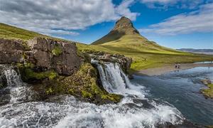 Ngôi làng đẹp như tranh vẽ ở Iceland
