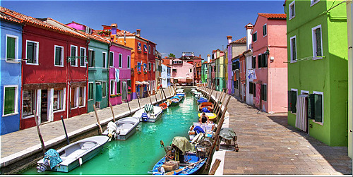 Những thành phố lãng mạn nhất trên thế giới. Đảo Burano thu hút du khách khi đến Venice. Ảnh: Brano.