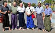 Những điều ít người biết về Myanmar, nơi đàn ông mặc váy đi làm