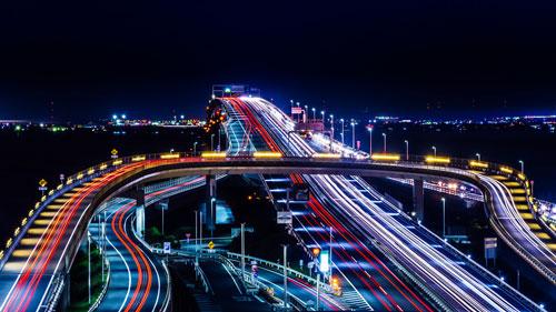 Đường cao tốc trên biển nổi tiếng ở Chiba. Ảnh: Aotaro.