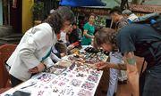 Chợ đồ cổ phố Hoàng Hoa Thám lên báo Mỹ