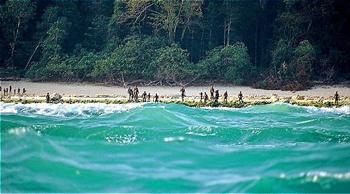 Các ngư dân cho biết đã phát hiện thi thể nạn nhân trên bờ biển nhưng cảnh sát chưa xác nhận điều này. Ảnh: Christian Caron.