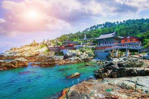 Thành phố cảng Busan là điểm đến lý tưởng cho mùa lễ hội cuối năm.