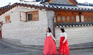 Ngôi làng 600 năm tuổi hút giới trẻ check-in ở Seoul