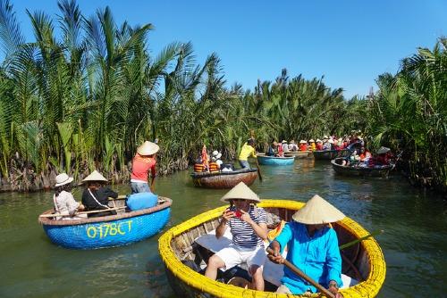 Quảng Nam thu hút nhiều khách du lịch. Ảnh: Quỳnh Trần.