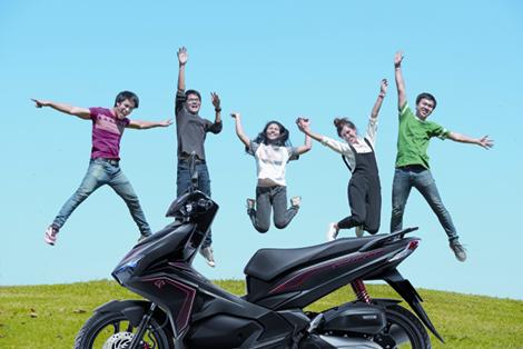 Phượt xe máy cùng bạn bè mang đến những trải nghiệm khó quên.