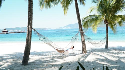 Nhiều du khách quay trở lại Nha Trang nhiều lần để nghỉ dưỡng. Ảnh: Phong Vinh.