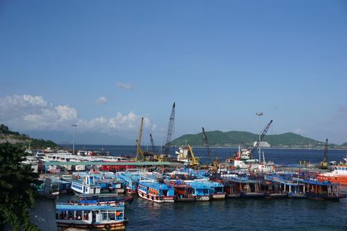 Cảng Nha Trang - đầu mối giao thông quan trọng của thành phố.