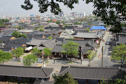 Các du khách Việt được tạo điều kiện thuận lợi hơn nhiều để tới Hàn Quốc. Ảnh: Ban Mai.
