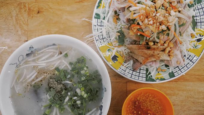 Quán vịt Sài Gòn vẫn đông khách dù bị chê phục vụ chưa tốt