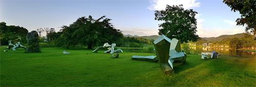 Resort ở Đại Lải trưng bày gần 100 tác phẩm nghệ thuật giữa rừng - ảnh 1