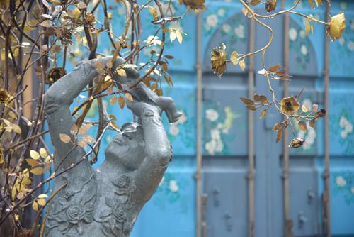 Resort ở Đại Lải trưng bày gần 100 tác phẩm nghệ thuật giữa rừng - ảnh 2