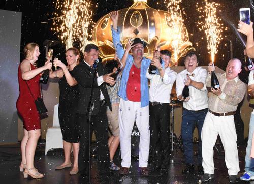 Tiệc Giao thừa trên tầng thượng khách sạn gần 100 năm ở Sài Gòn - ảnh 3
