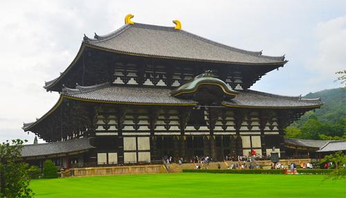 Đông Đại Tự, ngôi chùa nổi tiếng ở cố đô Nara.