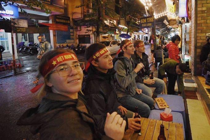 Khách Tây tiếc những cơ hội làm bàn bị bỏ lỡ của tuyển Việt Nam