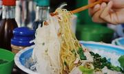 Tiệm ăn người Hoa ba đời bán hủ tiếu ở Sài Gòn