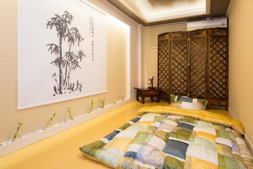 Do nền nhà ấm, nên người dân Hàn Quốc thường có thói quen trải đệm nằm ngủ ngay trên sàn nhà. Ảnh: TripAd.