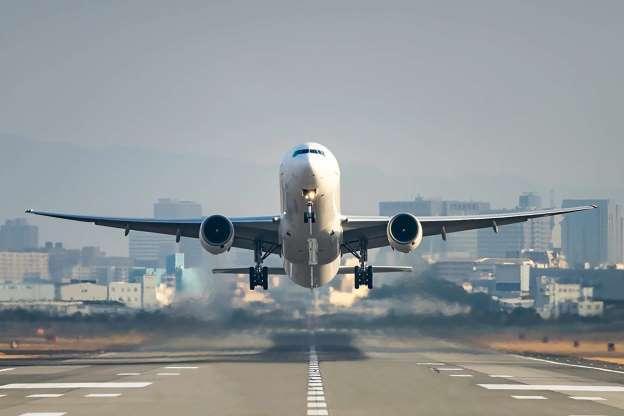 Máy bay được kiểm tra định kỳ bao nhiêu lần một tháng?