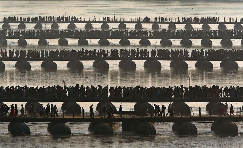 Những chiếc cầu phao phục vụ 100 triệu người hành hương