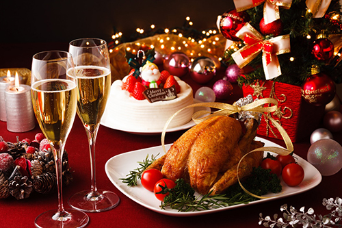 Ẩm thực luôn là một thành tố không thể thiếu, làm nên không khí Giáng Sinh tại mọi quốc gia trên thế giới.