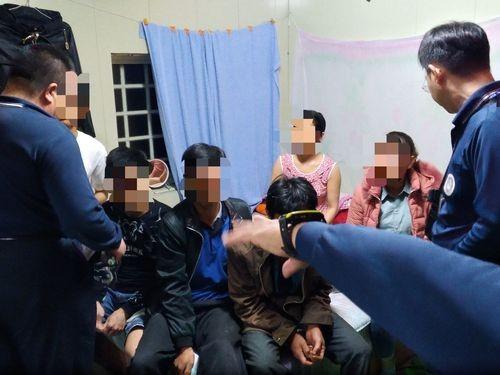 Ba du khách bị tạm giữ ở các địa phương cách Cao Hùng từ 100 km trở lên. Ảnh: NIA.