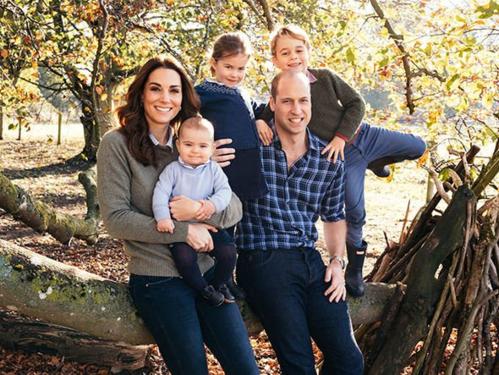 Gia đình hoàng tử William, công nương Kate thường có truyền thống đón năm mới và giáng sinh xen kẽ. Ví dụ như năm nay họ đón Giáng sinh ở cung điện, thì sẽ đón năm mới ở Berkshire cùng cha mẹ công nương Kate và ngược lại. Ảnh: Express.