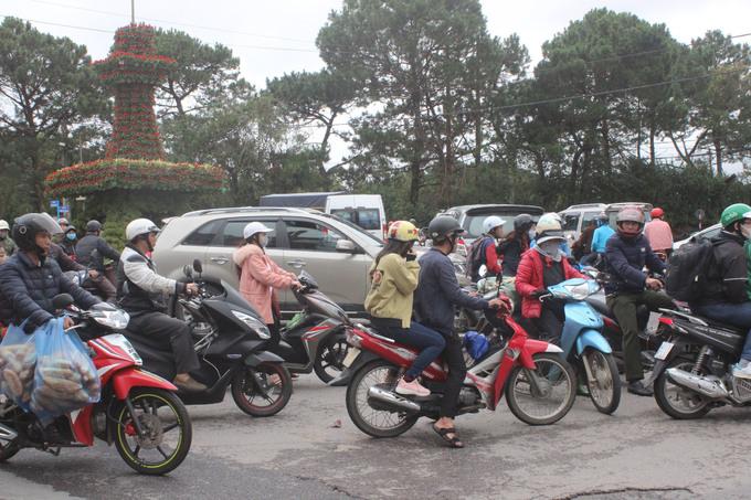 Khách du lịch đổ về Đà Lạt nghỉ Tết Dương lịch