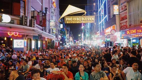 TP HCM là địa phương đầu tiên trong cả nước đón vị khách quốc tế thứ 7 triệu. Ảnh: Phong Vinh.