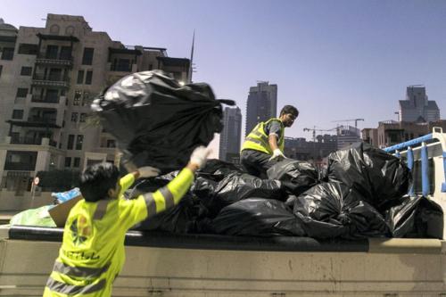 Hàng đống rác đã được dọn sạch khỏi đường phố Dubai. Ảnh:Reem Mohammed/The National.