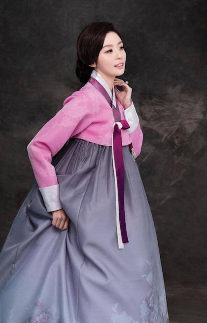 Hanbok là trang phục truyền thống của Hàn Quốc. Ảnh: hanboksarang.