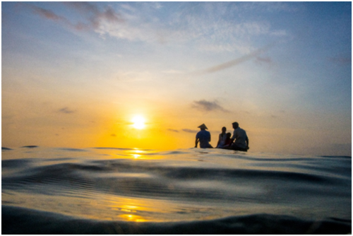 Biển Bãi Trường đang vào mùa đẹp nhất và InterContinental Phu Quoc Long Beach Resort hiện có ưu đãi hấp dẫn cho dịp Tết Kỷ Hợi 2019 với giá phòng từ 7,9 triệu đồng/đêm, gồm dịch vụ đón tiễn sân bay, bữa sáng hàng ngày và tiệc tối dành cho 2 người tại nhà hàng Sora & Umi, cùng hồng bao may mắn để du khách có thể dùng trong thời gian lưu trú tại đây.