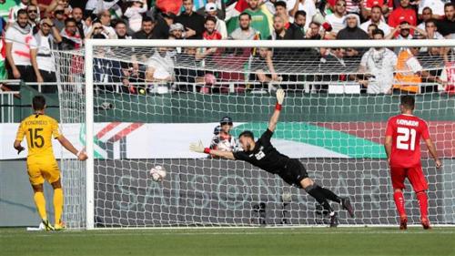 Sân vận động Rashid của Dubai có sức chứa tới 12.000 người, và là một trong những sân có quy mô khiêm tốn hơn các sân cỏ khác tại Asian Cup. Australia đã giành chiến thắng 3-0 trước Palestine trong trận đấu diễn ra vào ngày 11/1. Ảnh:PressTV.