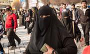 Cô gái Singapore bị cảnh sát Iran 'hỏi thăm' vì không che đầu