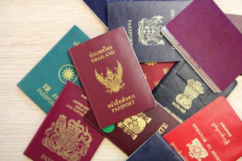 Những bảng xếp hạng và quy định, chính sách về hộ chiếu thường đặc biệt thu hút sự chú ý của dư luận. Khi quá tập trung vào quyền lực của hộ chiếu thay vì tính thẩm mỹ, chúng ta dễ bỏ qua một phần quan trọng về màu sắc của giấy tờ này. Ảnh:ReadersDigest.