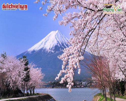 Núi Phú Sĩ - biểu tượng của Nhật Bản.